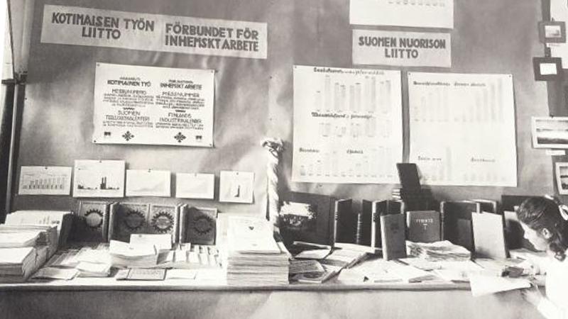 Kotimaisen Työn Liiton messuosasto Suomen ensimmäisillä messuilla 1920